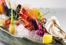 Ricette d'autore – Variazione di gamberi rosa, viola, rossi crudi (selezione derado) con frutti di mare, crudités di verdura e frutta in osmosi